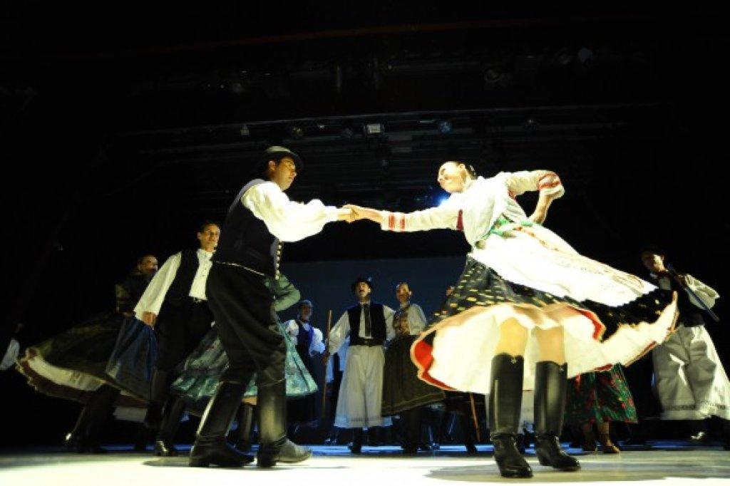 Hungarian Folklore Performance