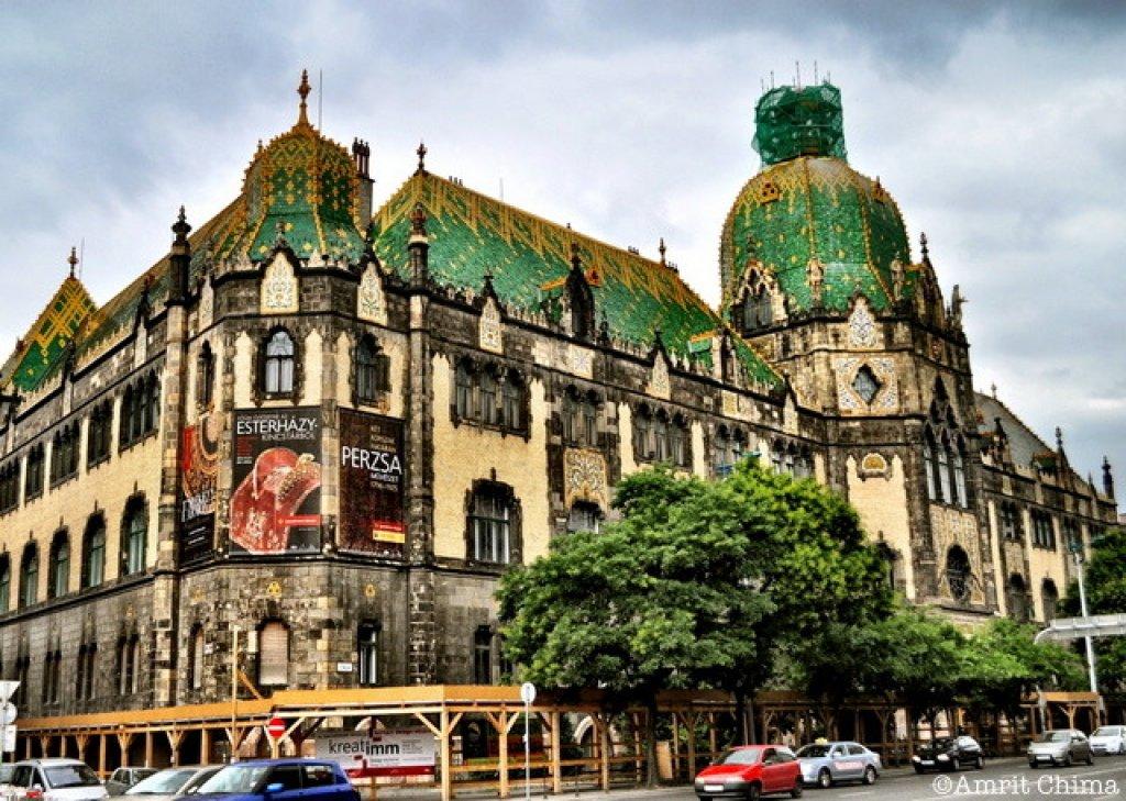 Go Local Budapest: 4-Hour Private Art-Nouveau Tour