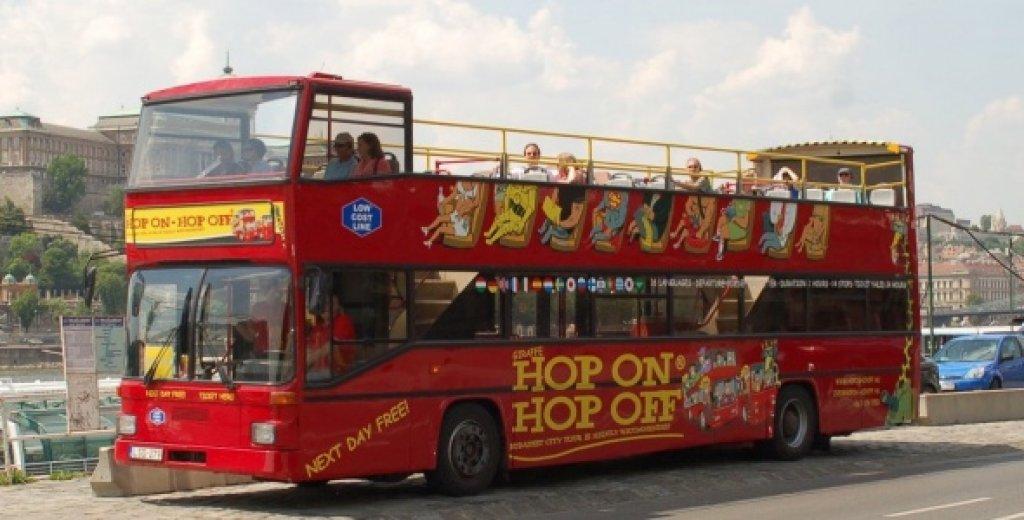 Half-Day Budapest Minibus Tour & Danube Cruise