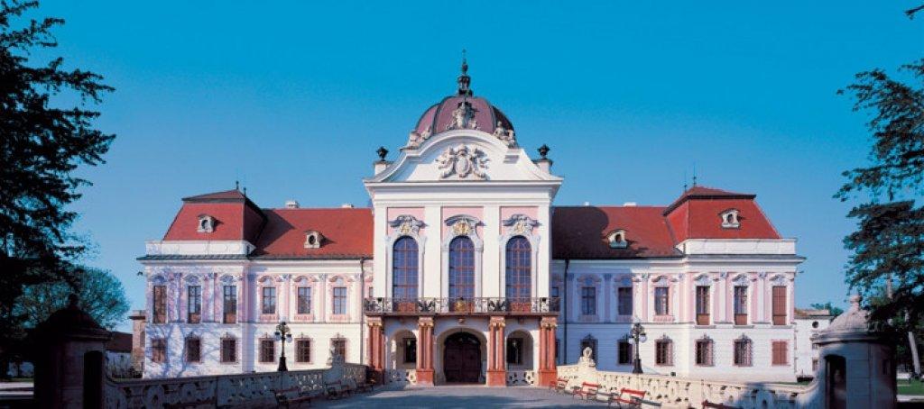 Gödöllő: Palace of Queen Elisabeth Tour from Budapest